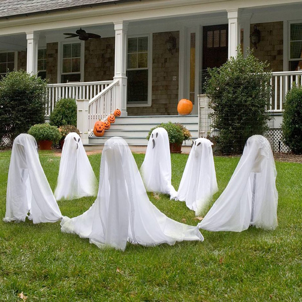 halloween-decorating-ideas-ghostly-group