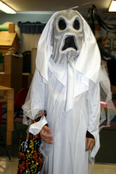 homemade-halloween-ghost-costume